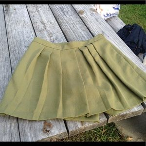 Ann Taylor pleated skort